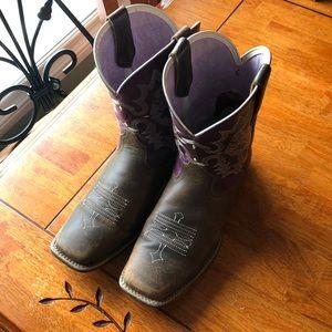 ARIATS Size 6 Cowboy Boot